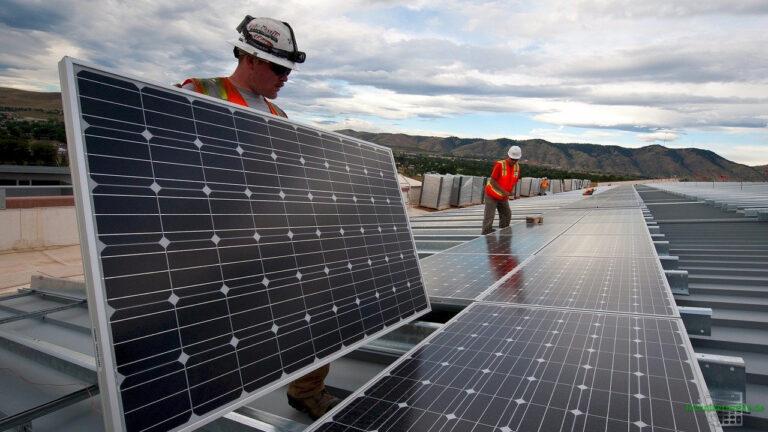 Der Elektrotechniker muss die elektrischen Größen der Photovoltaikanlage kennen