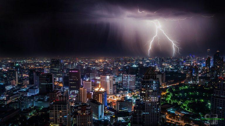 Elektrische Ladung - Blitze sind elektrische Entladungen