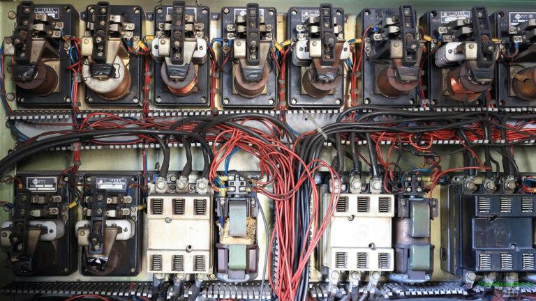 Reihenschaltung - Netzwerk mit Widerständen und Kondensatoren