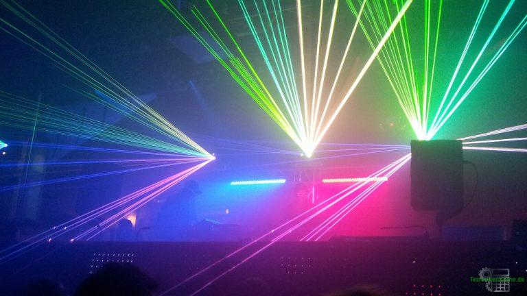 Gruppenschaltung einer DJ-Lichtanlage