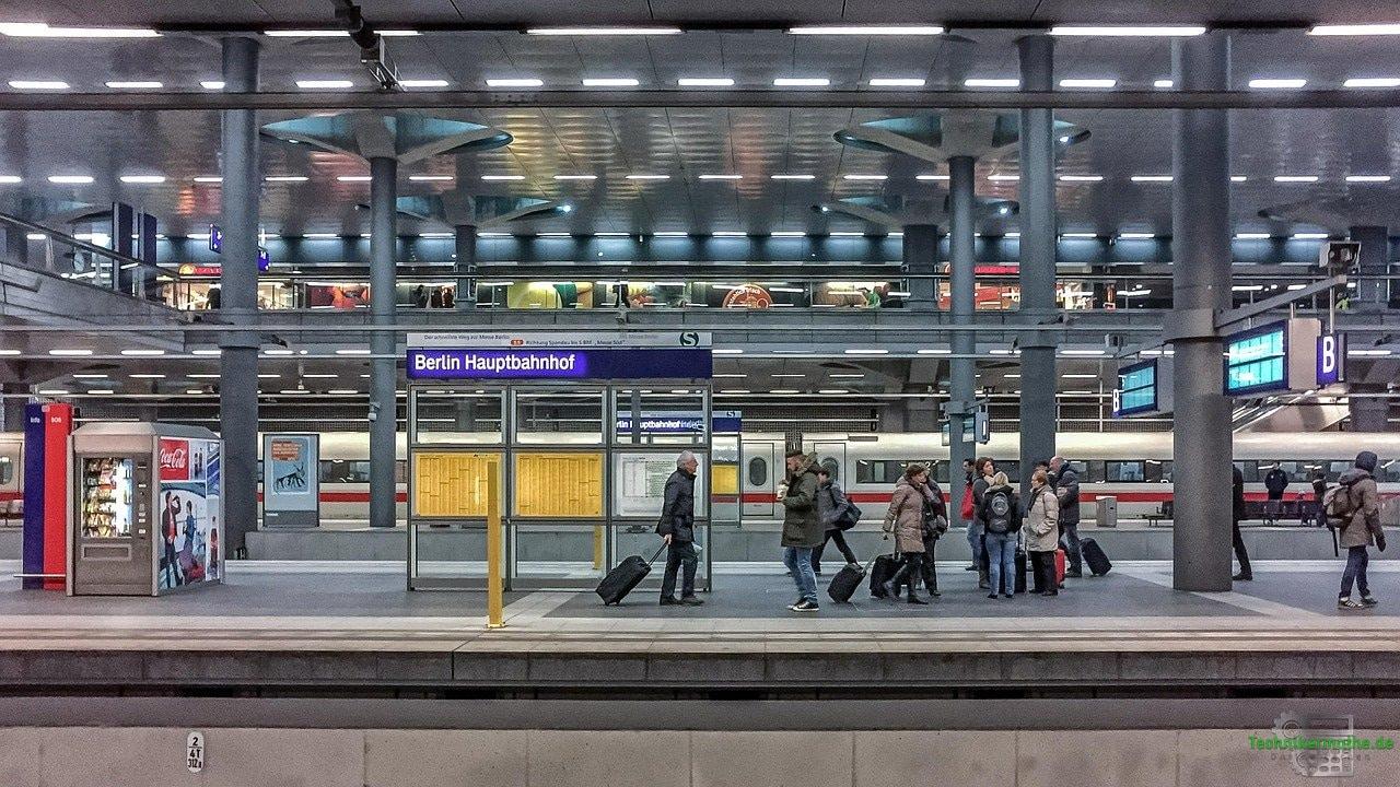 Verkehr - Hauptbahnhof - Berlin