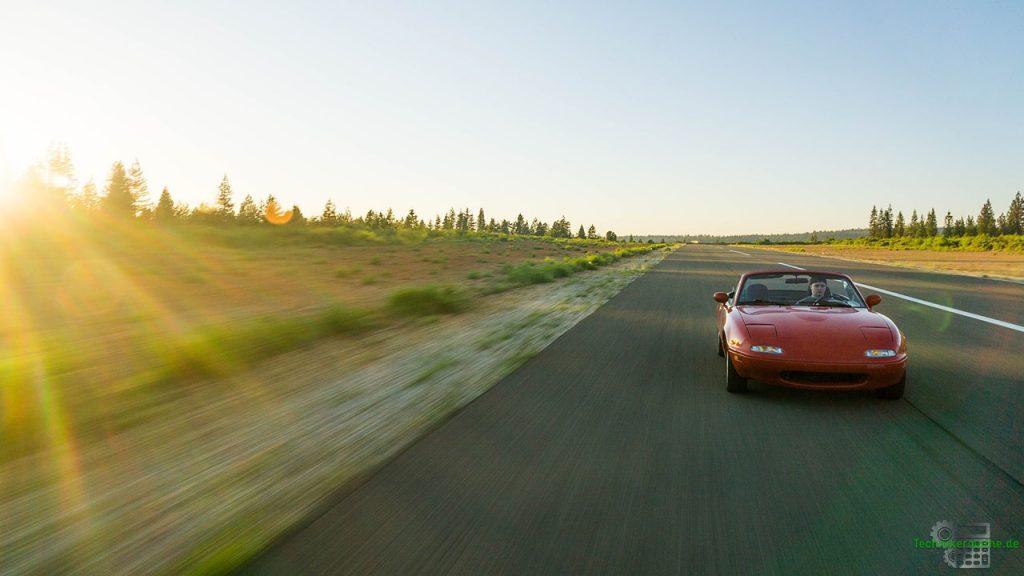 Das erste Newtonsche Gesetz: Autofahren