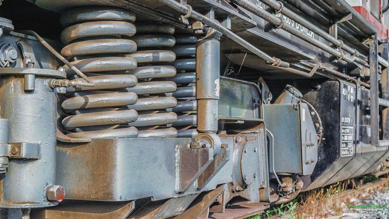 Sprungfedern bei einer Lokomotive