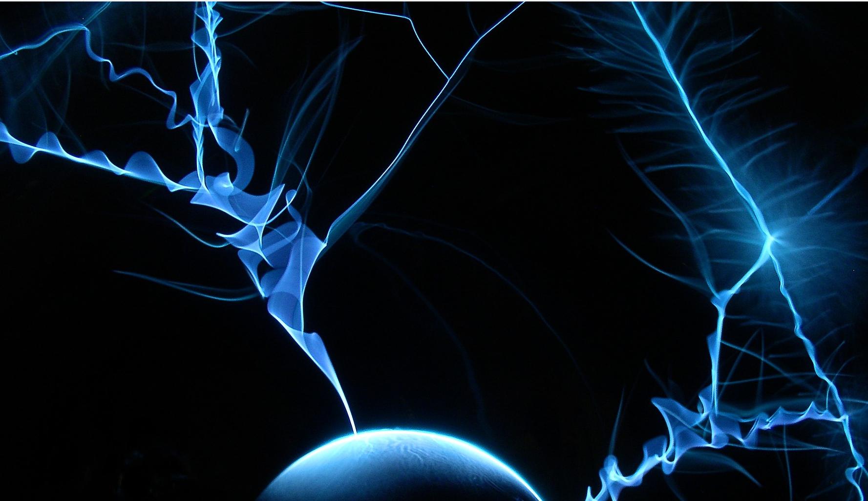 Spannung im elektrischen Feld